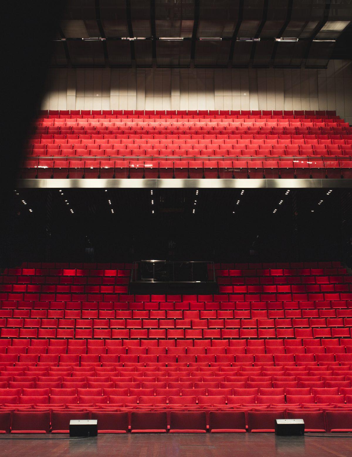 Stora salen är den största hörsalen på Uppsala Konsert & Kongress, med plats för omkring 1100 gäster.