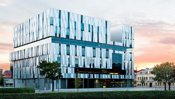 Om arkitekturen på Uppsala Konsert & Kongress - ritat av Henning Larsen Architects.
