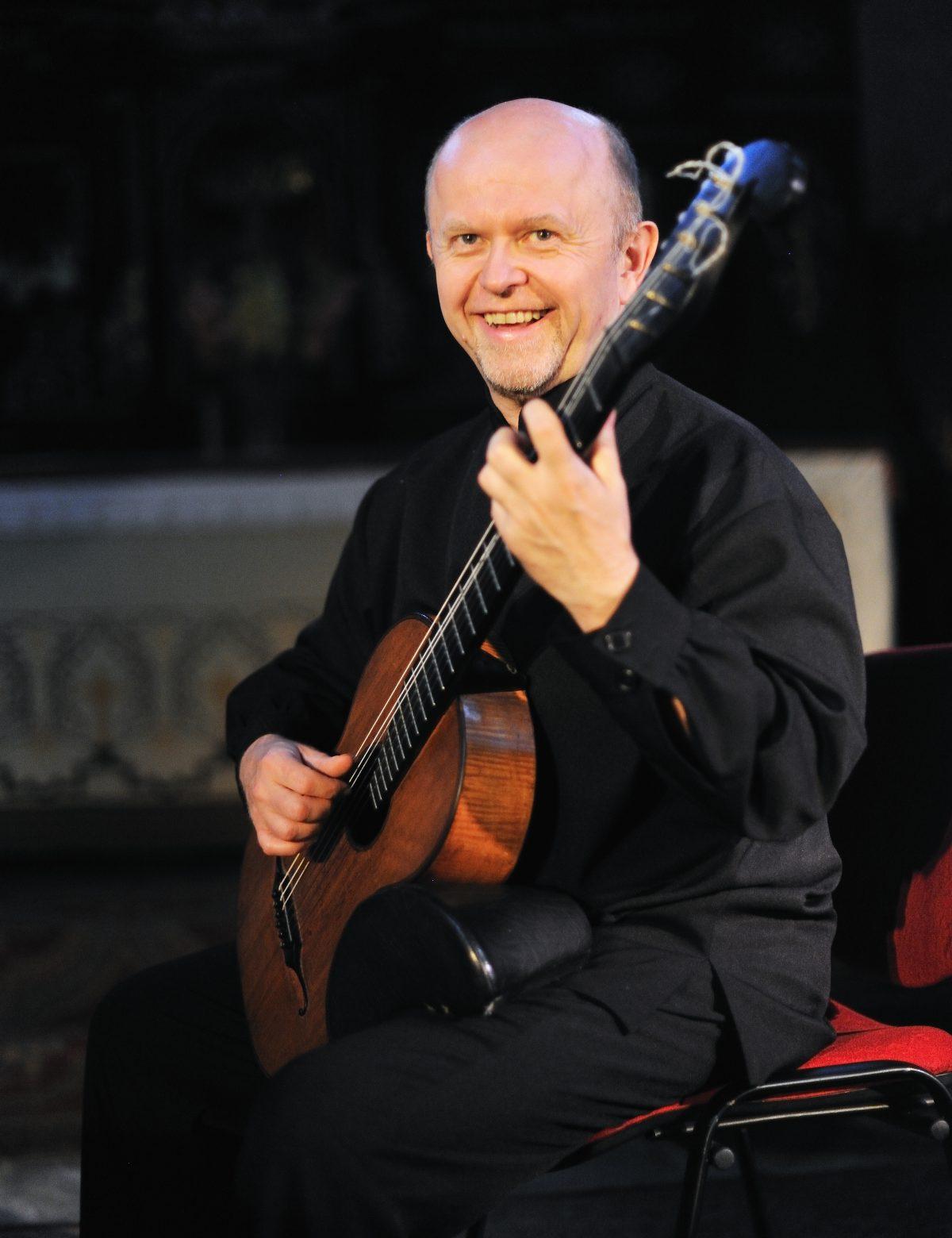 Pavel Steidl - klassisk gitarr.