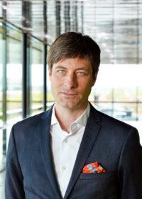 Porträtt av UKK:s vd och konstnärliga ledare Henrik Lillsjö